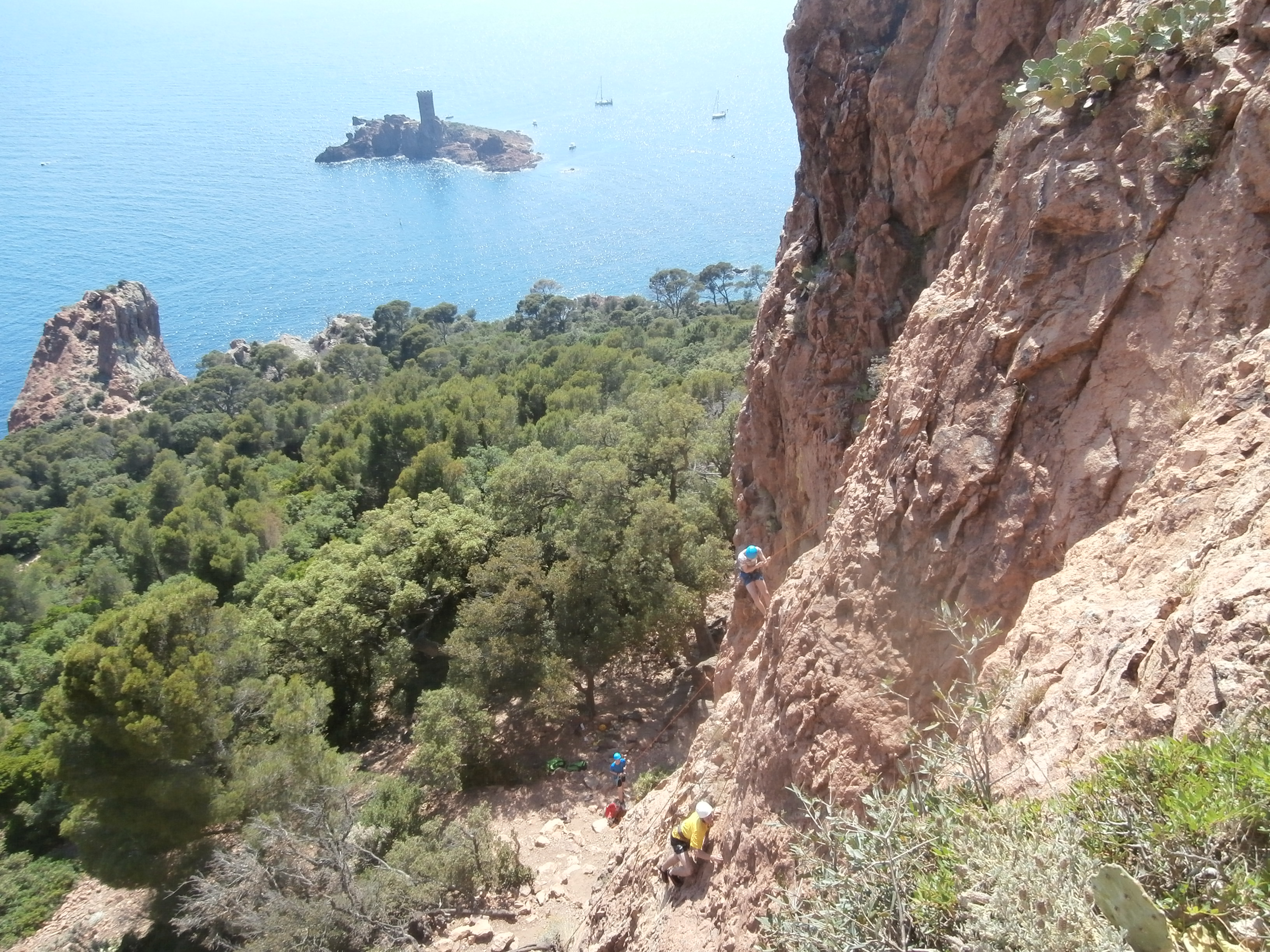 climbing with english teenagers at Dramont