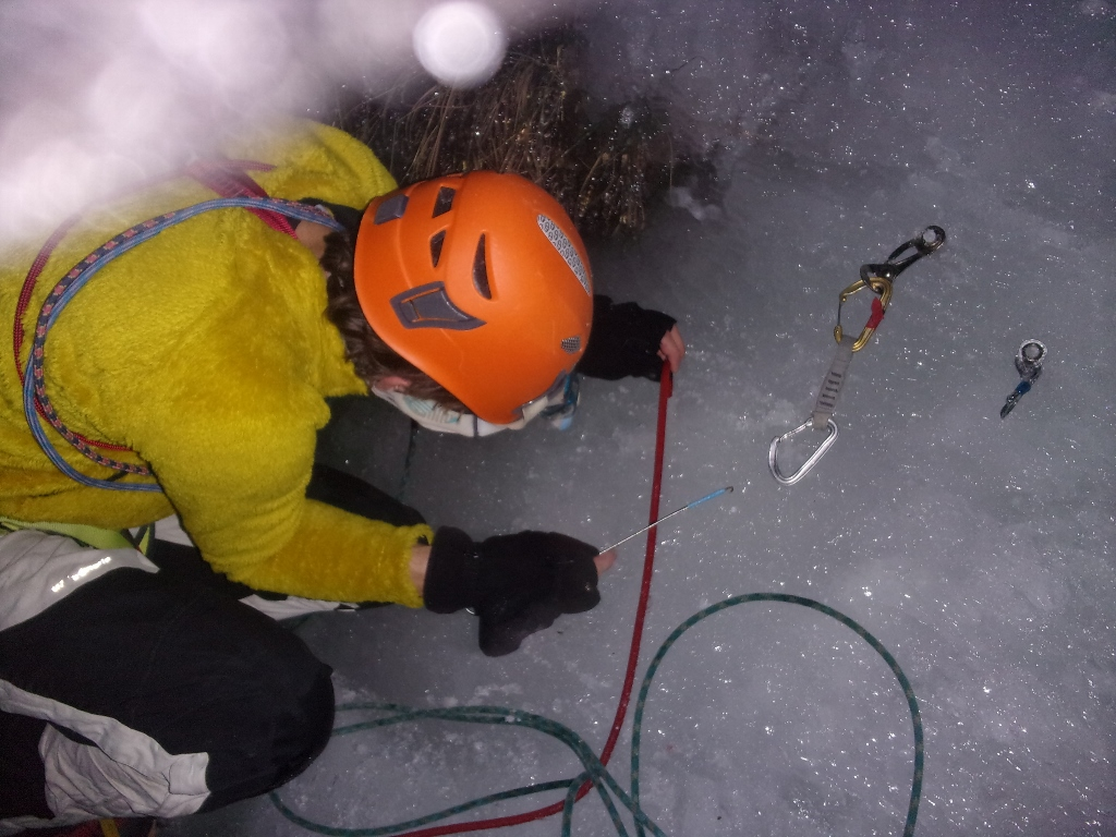 Cascade de glace au torrent du champs des royes (queyras) premier janvier première (en tous cas pour nous…)