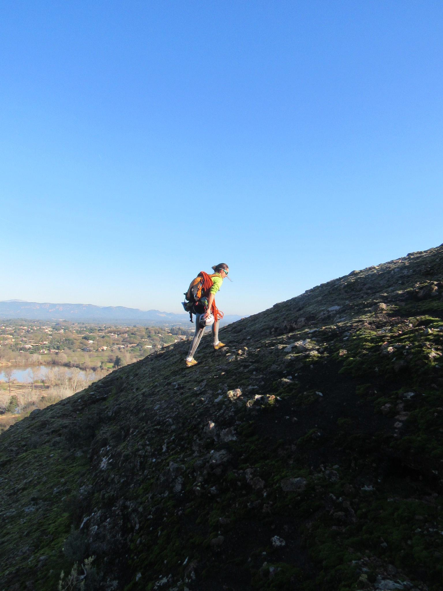 Arrete est du rocher de roquebrune sur argens AD